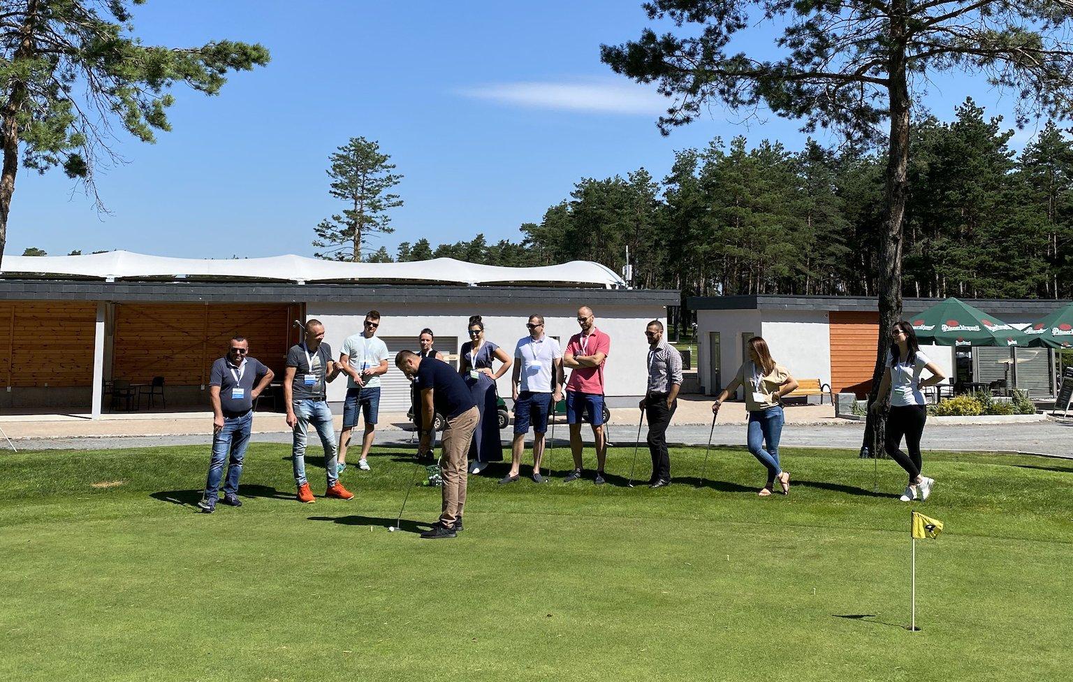 Event firmowy na polu golfowym